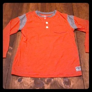 Long sleeved 5T orange and gray T-shirt